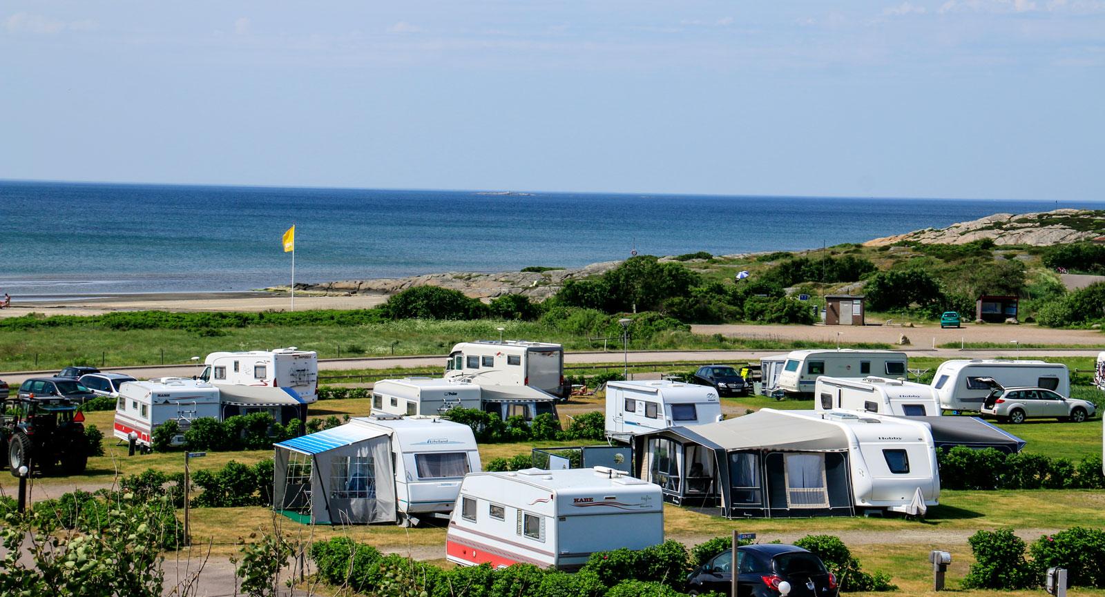 Ugglarps camping har Kattegattleden och havet som närmsta grannar.