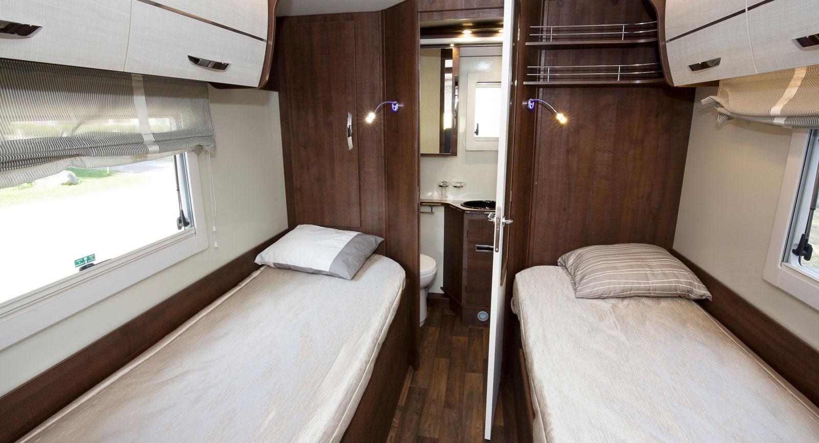Det här en syn som lockar många. Sängar som är enkla att bädda och ett rejält badrum.