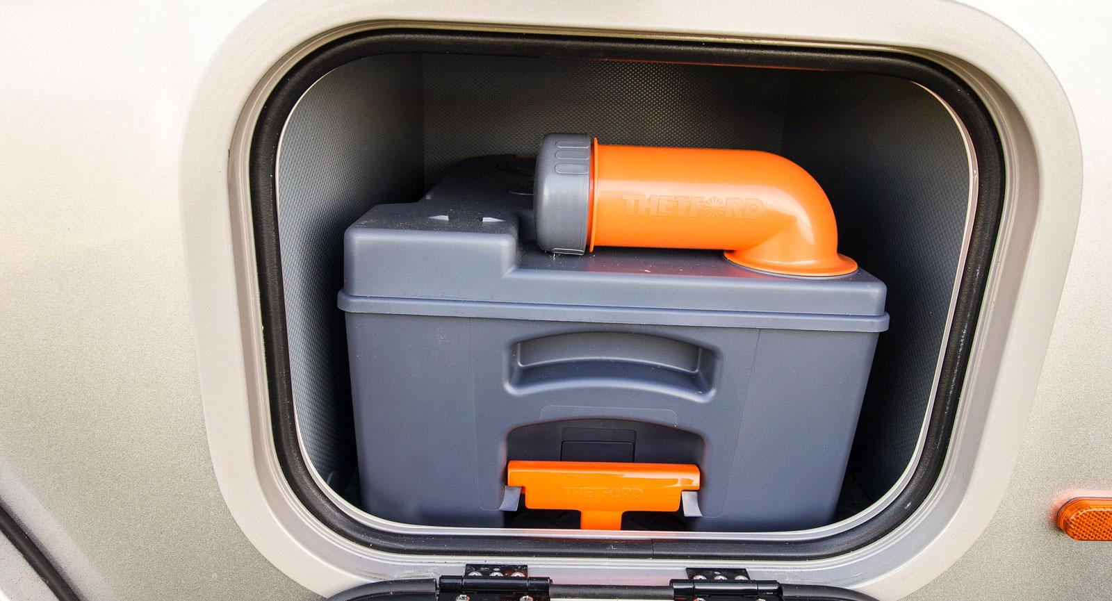 En extra toakassett är standard i husbilar från Frankia.