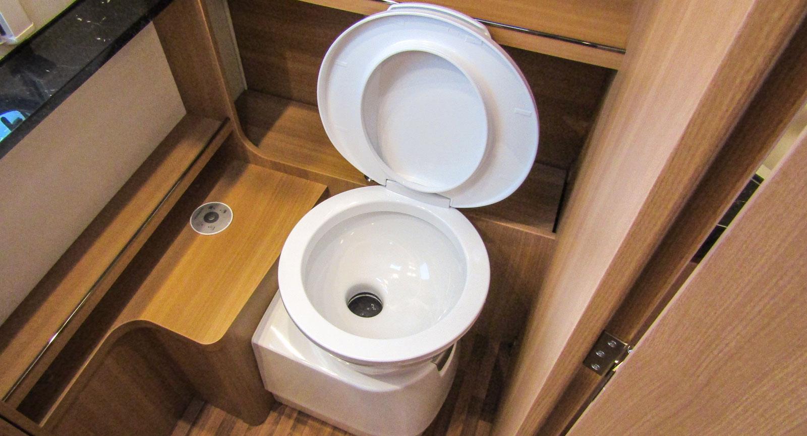 Toaletten är från Thetford.