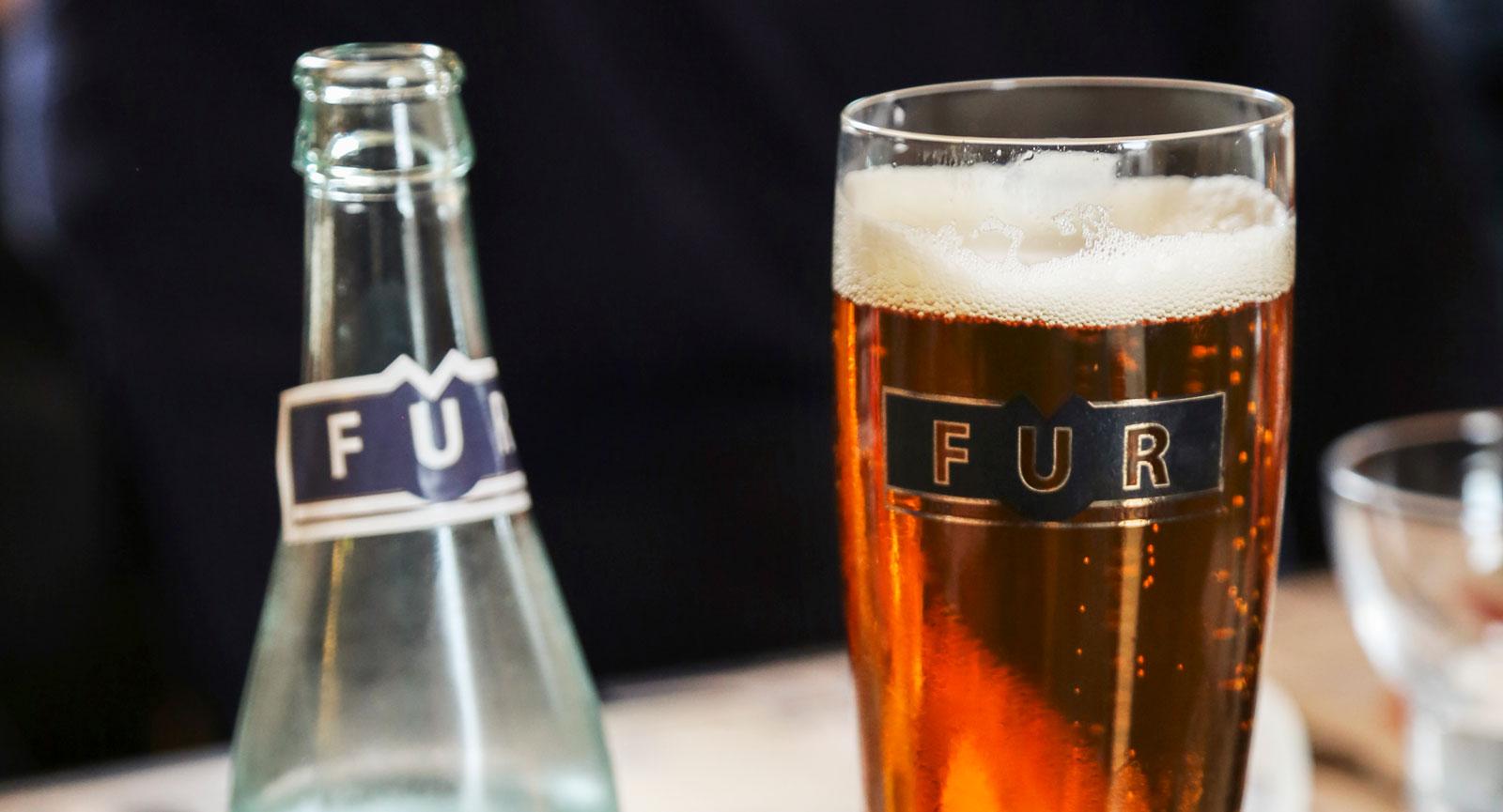 På Fur Bryghus kan man både äta och dricka gott. Utöver öl tillverkas även vatten och starkvaror här.