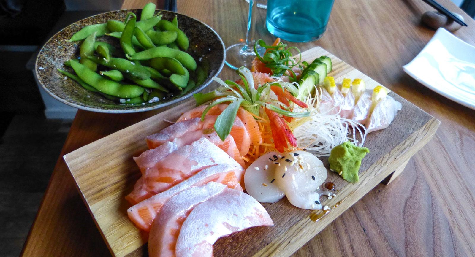 Lyxig sashimi på Nami i Varberg. Kombinera med besök på Asia Spa.