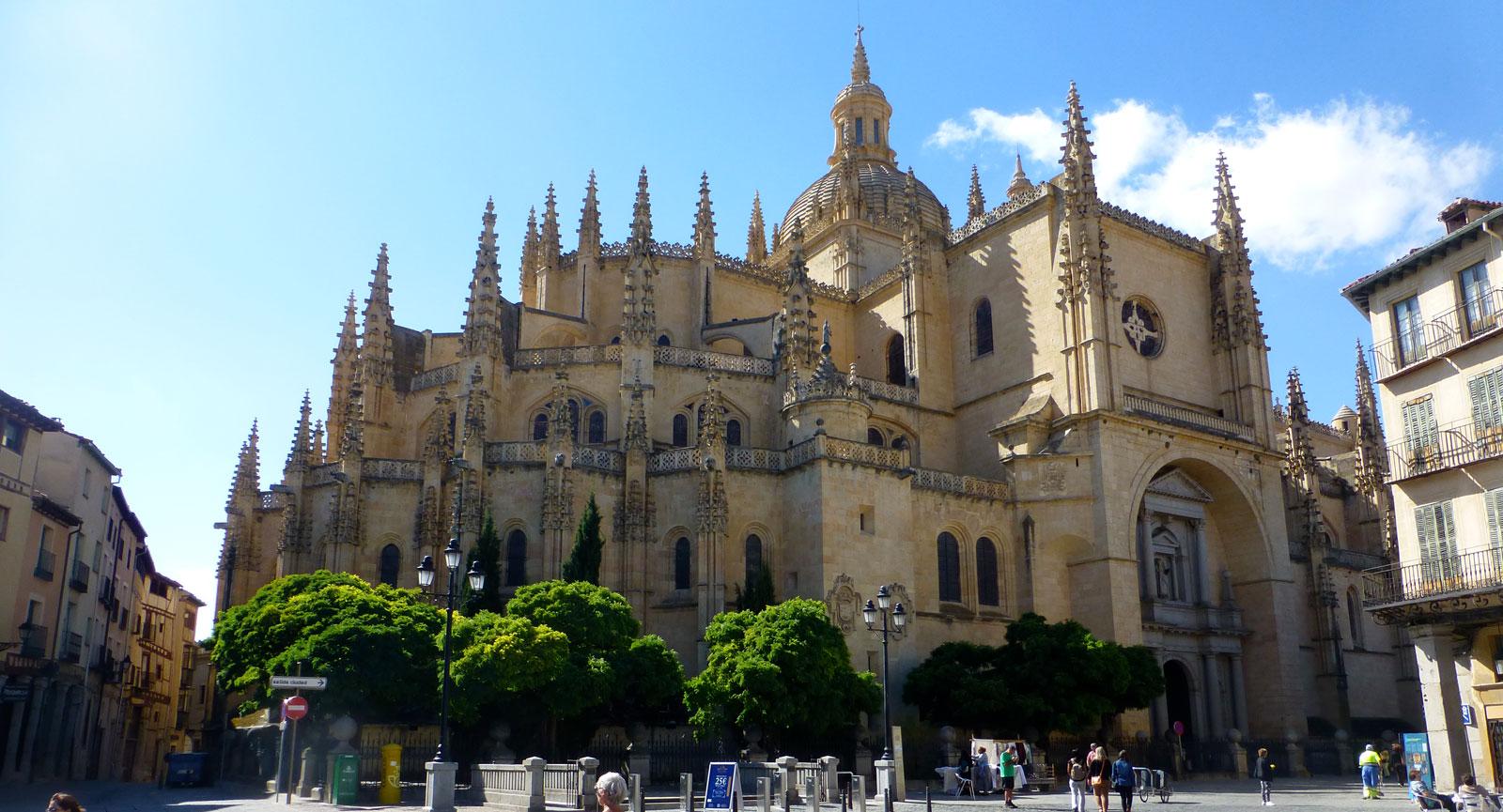 Segovias katedral, byggd på 1500-talet i gotisk stil.