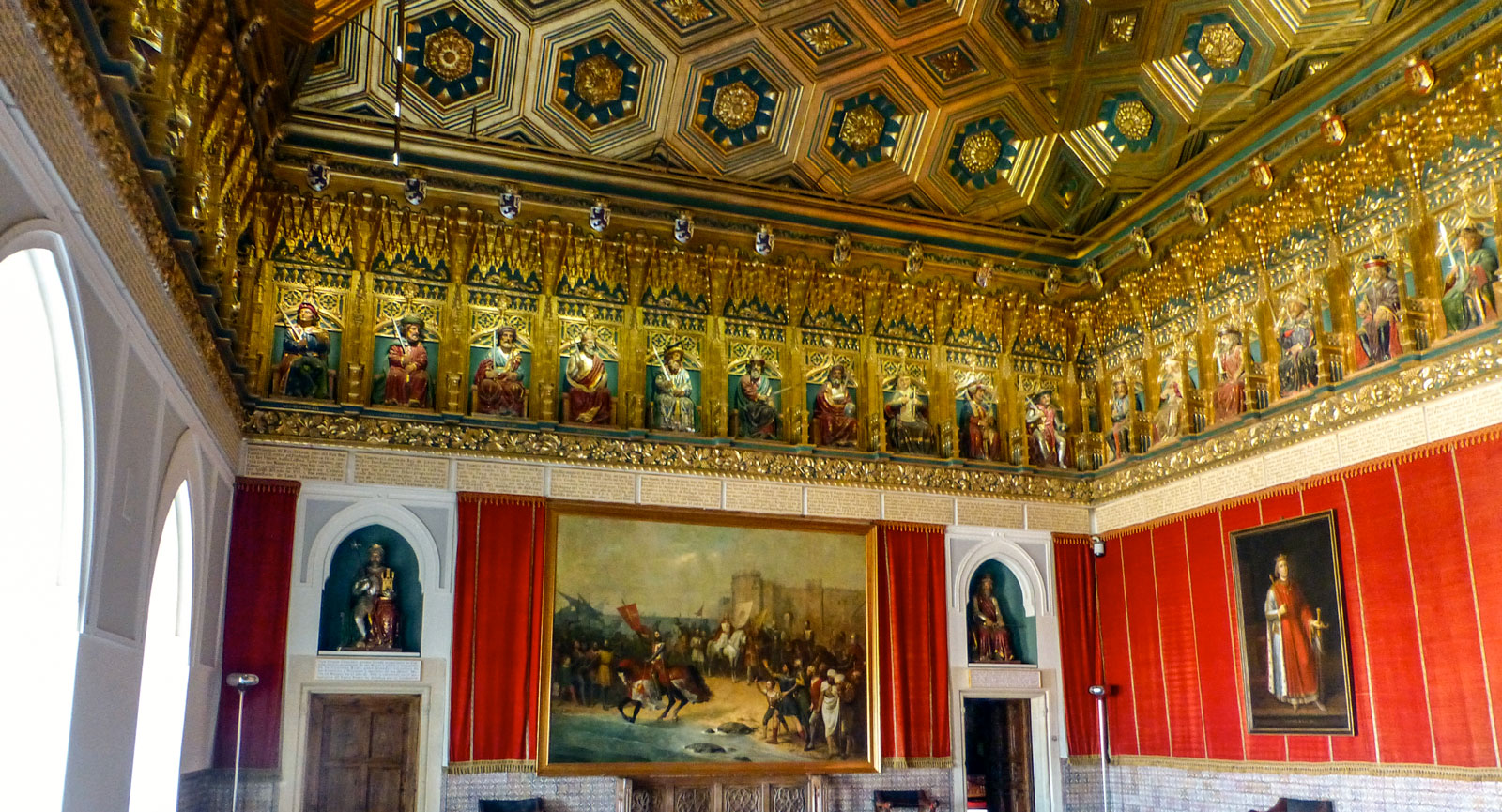 En av många salar i El Alcázar, slottet i Segovia.