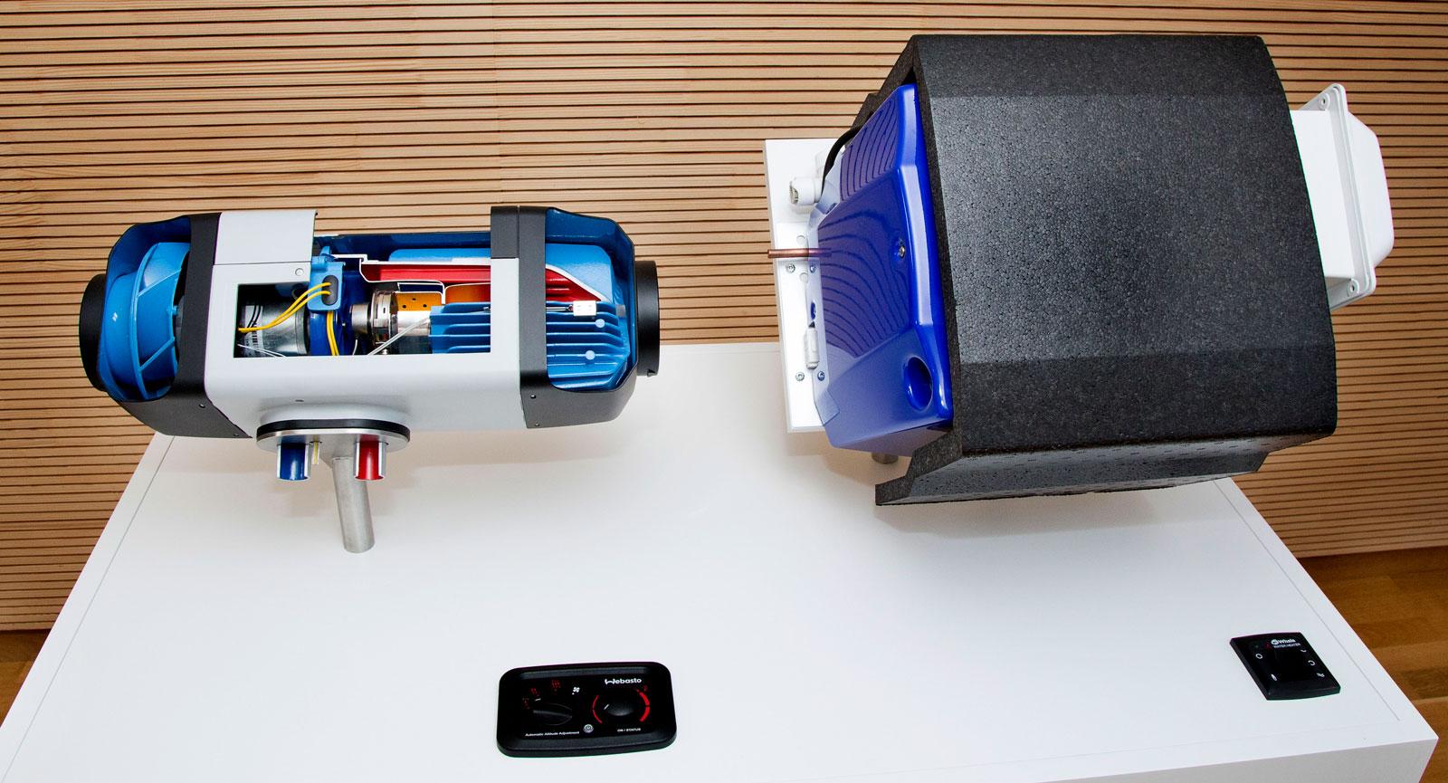 Panna. Dieselpanna från Webasto till vänster och boiler från Whale till höger. Här monterat för visning hos Webasto i Tyskland.