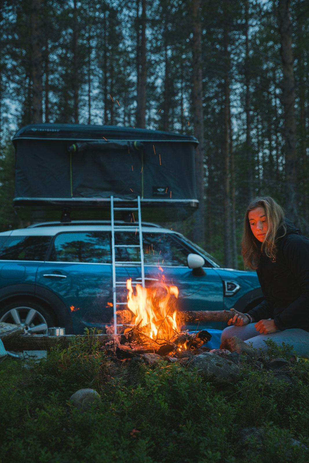 Simon och Amandas taktält på bilen