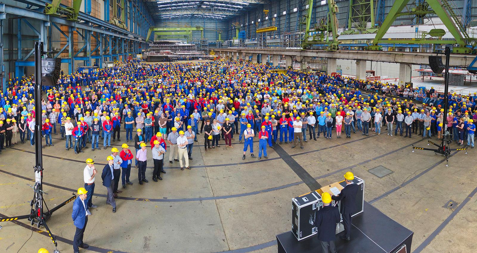 Den samlade arbetsstyrkan i Papenburg består av cirka 3300 personer.
