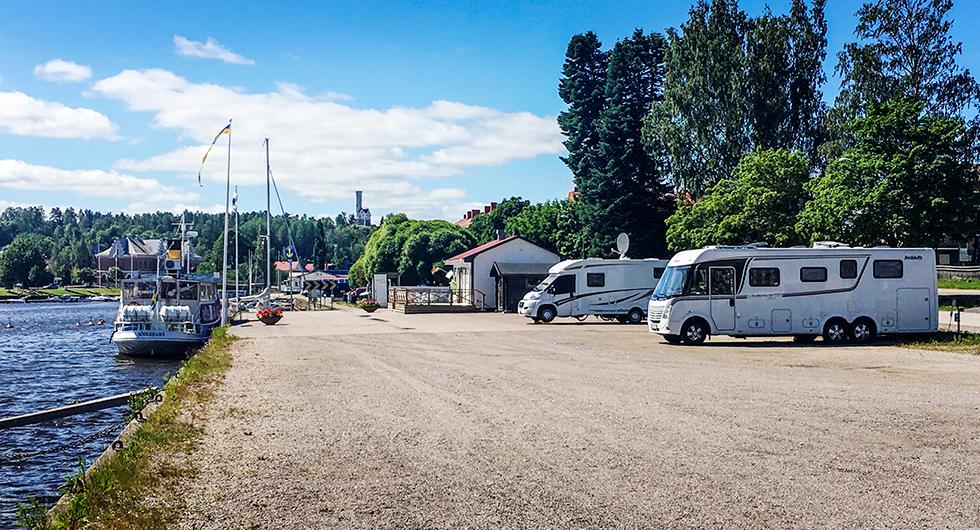 Söderhamns Citycamping: Centrumnära samt turistbåt alldeles intill.