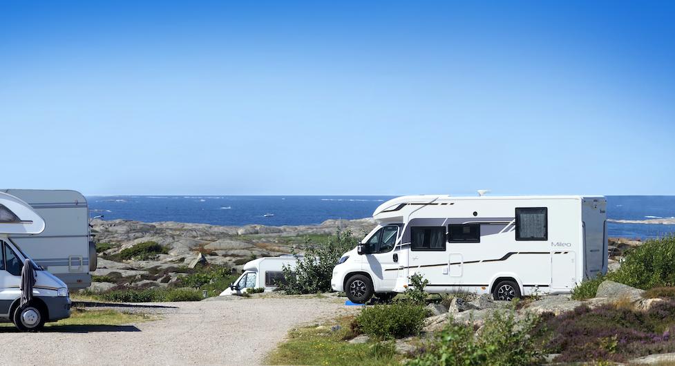 En av de bästa utsikterna efter kustvägen finner man på Sotenäs camping strax norr om Kungshamn.