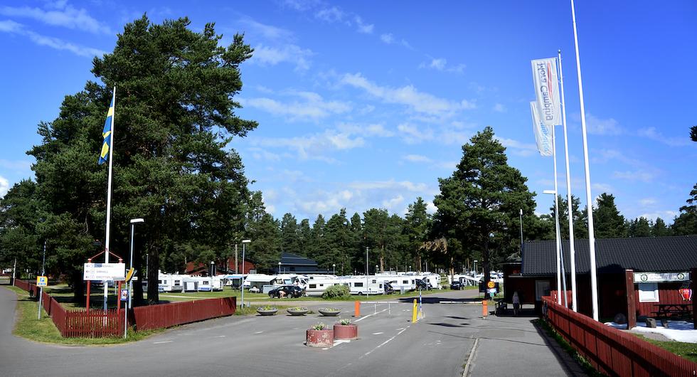 Entrén skvallrar om campingens storlek. Totalt finns 600 platser på området.
