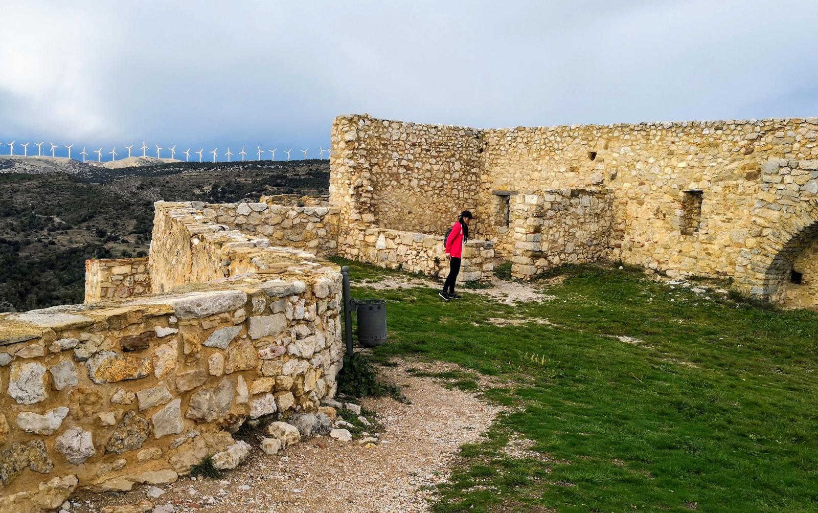 Toppen av fästningen Castillo de Morella ligger 1000 möh. Vi fick känna på skarp vind och kyla.