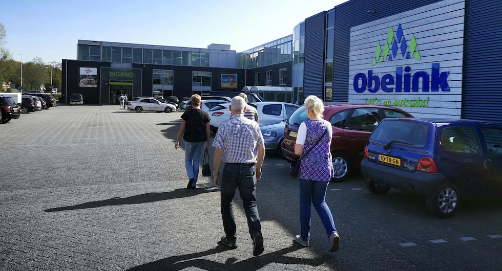 Obelink i Winterswijk i Nederländerna. Varuhuset Obelink har fått sitt namn från grundaren Jan Obelink som startade sin fritidsmarknad år 1959.
