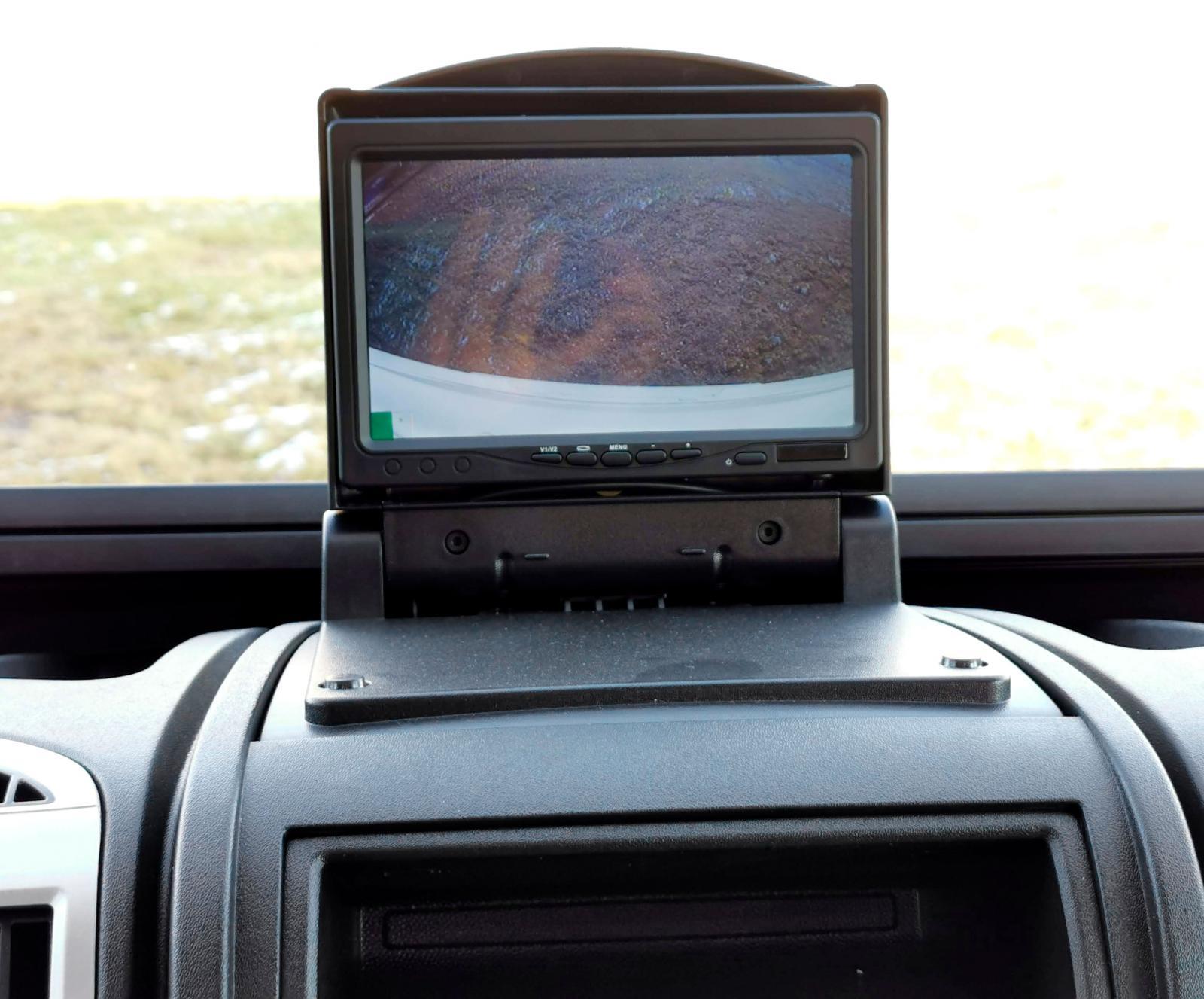 Backkamera istället för dokumenthållare ingår i paketet.