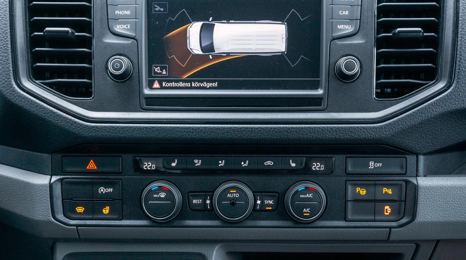 Utrustning som i en välutrustad modern säker personbil.