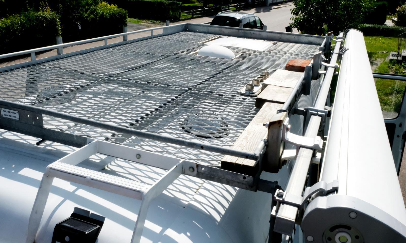 Här kommer Patrik så småningom installera solpaneler för extra energiförsörjning.