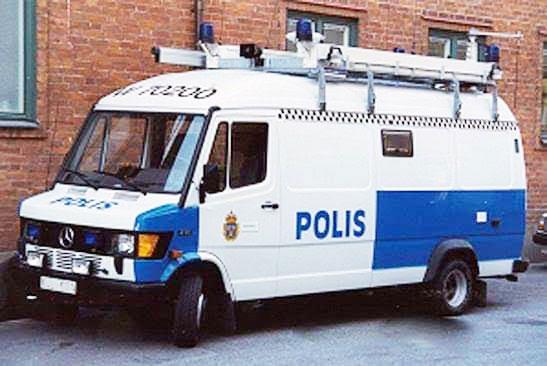 Så här såg bilen ut när den var ledningsbil hos Polisen.