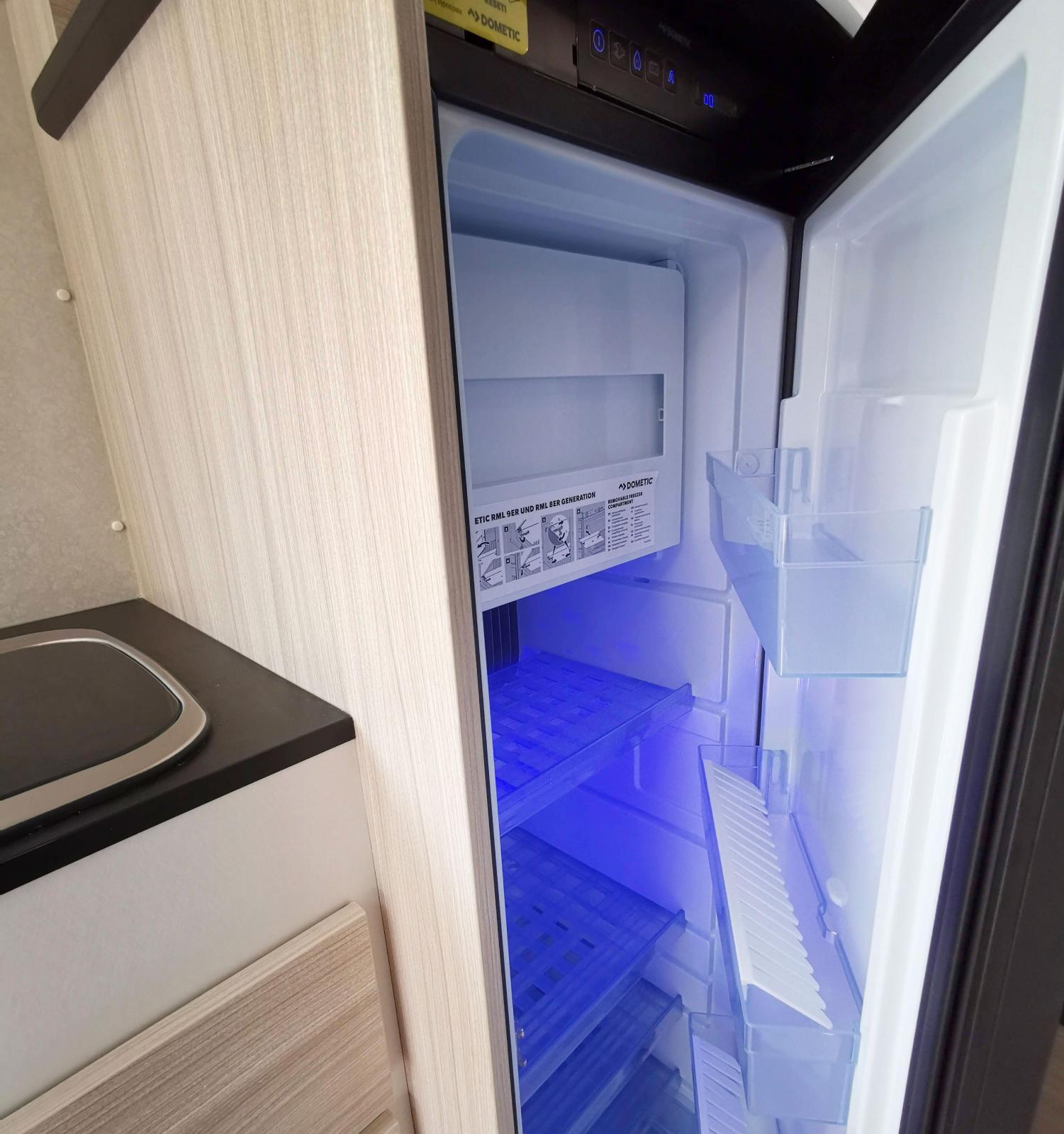 Kylskåpet rymmer 135 liter och har ett ordentligt frysfack.