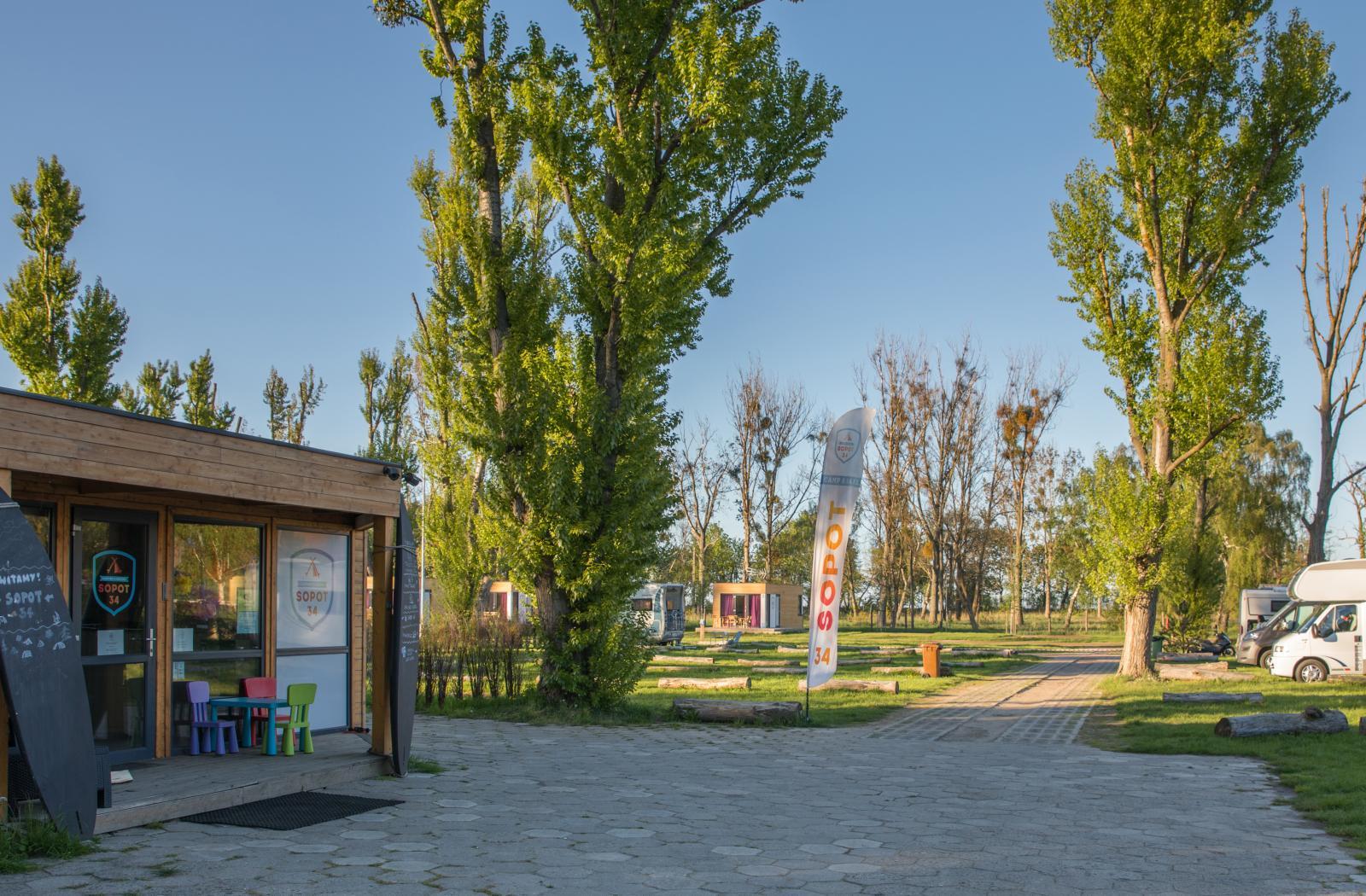 Sopot 34 Camp & Sail erbjuder inte bara campingplatser utan även seglarskola.
