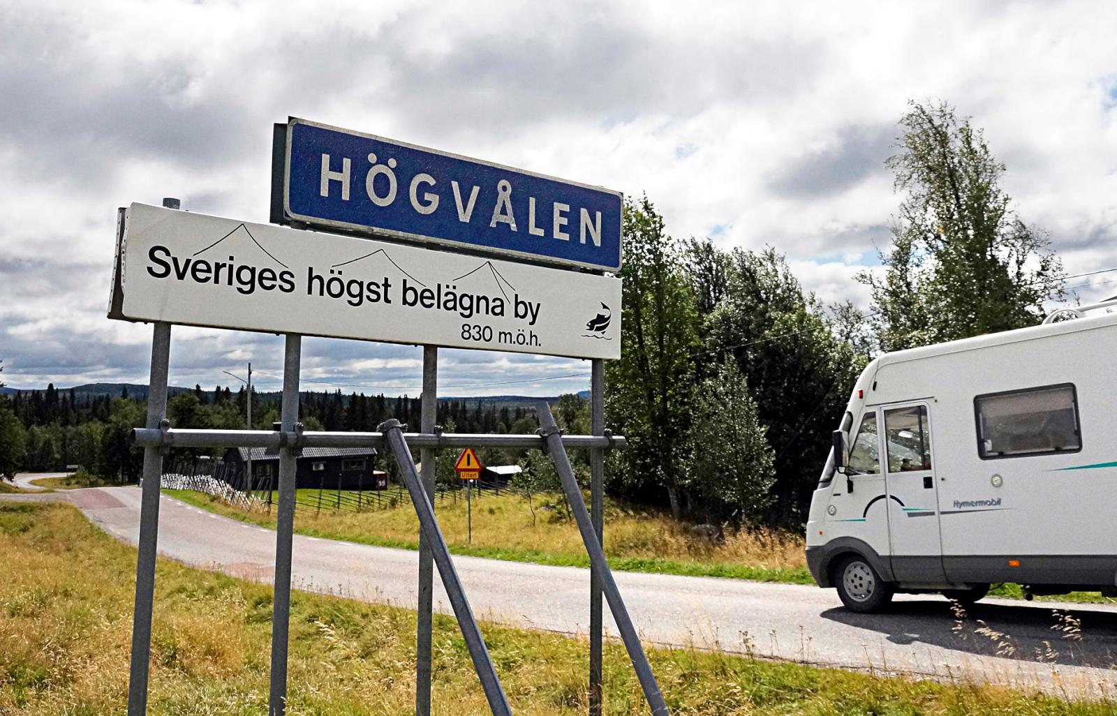 Sveriges högst belägna by, 830 meter över havet. Och by är väl mycket sagt. Det rör sig mer om några spridda gårdar.