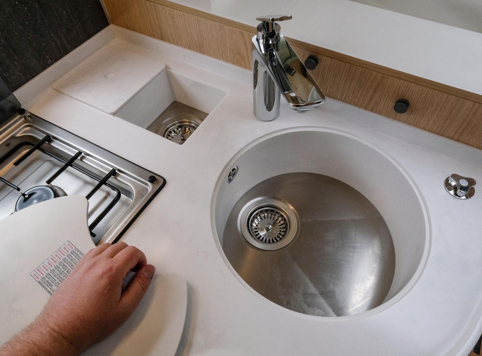 Diskhon är djup och bra också för större kastruller.