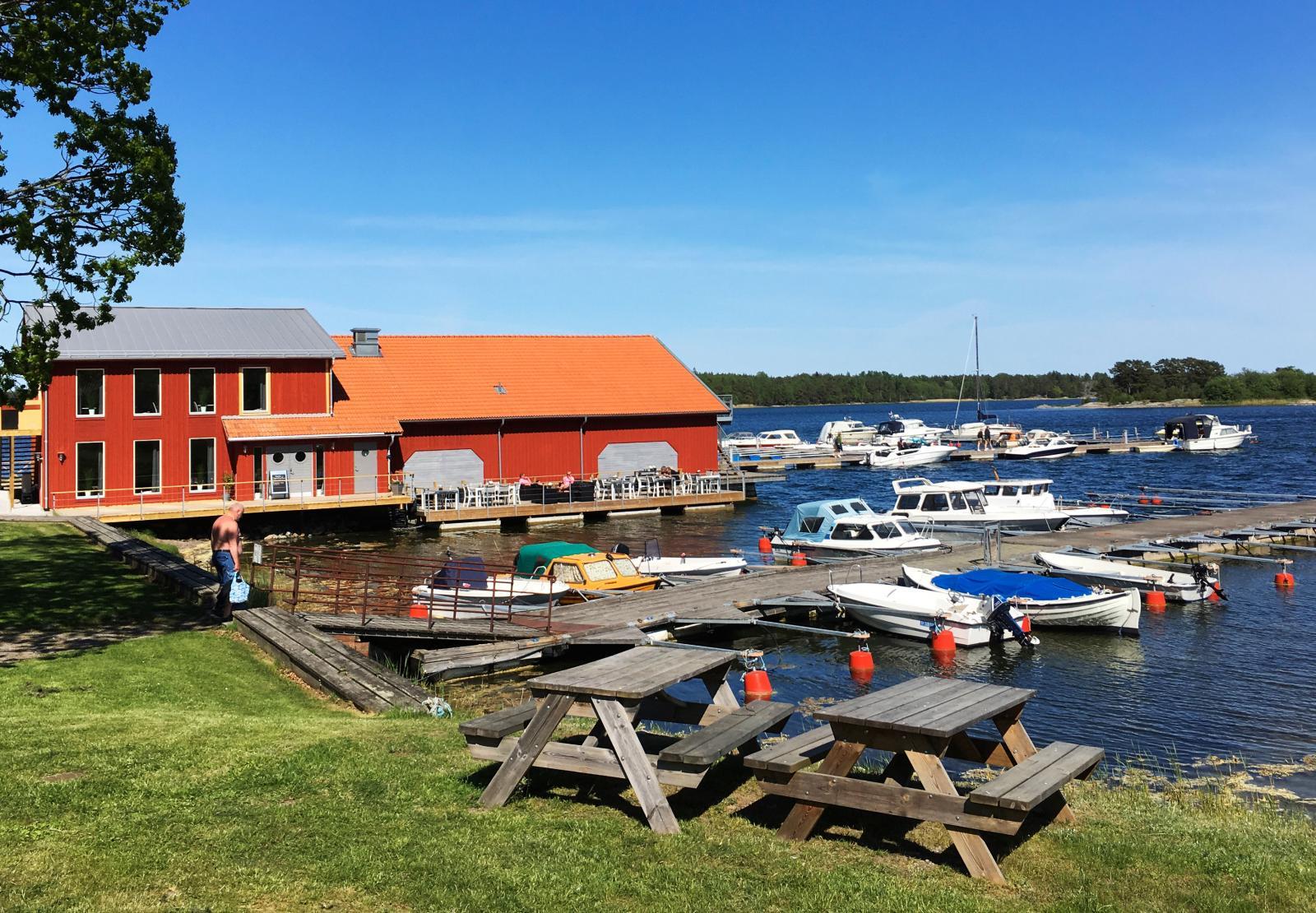 I båthuset finns en  enastående skärgårdskrog.