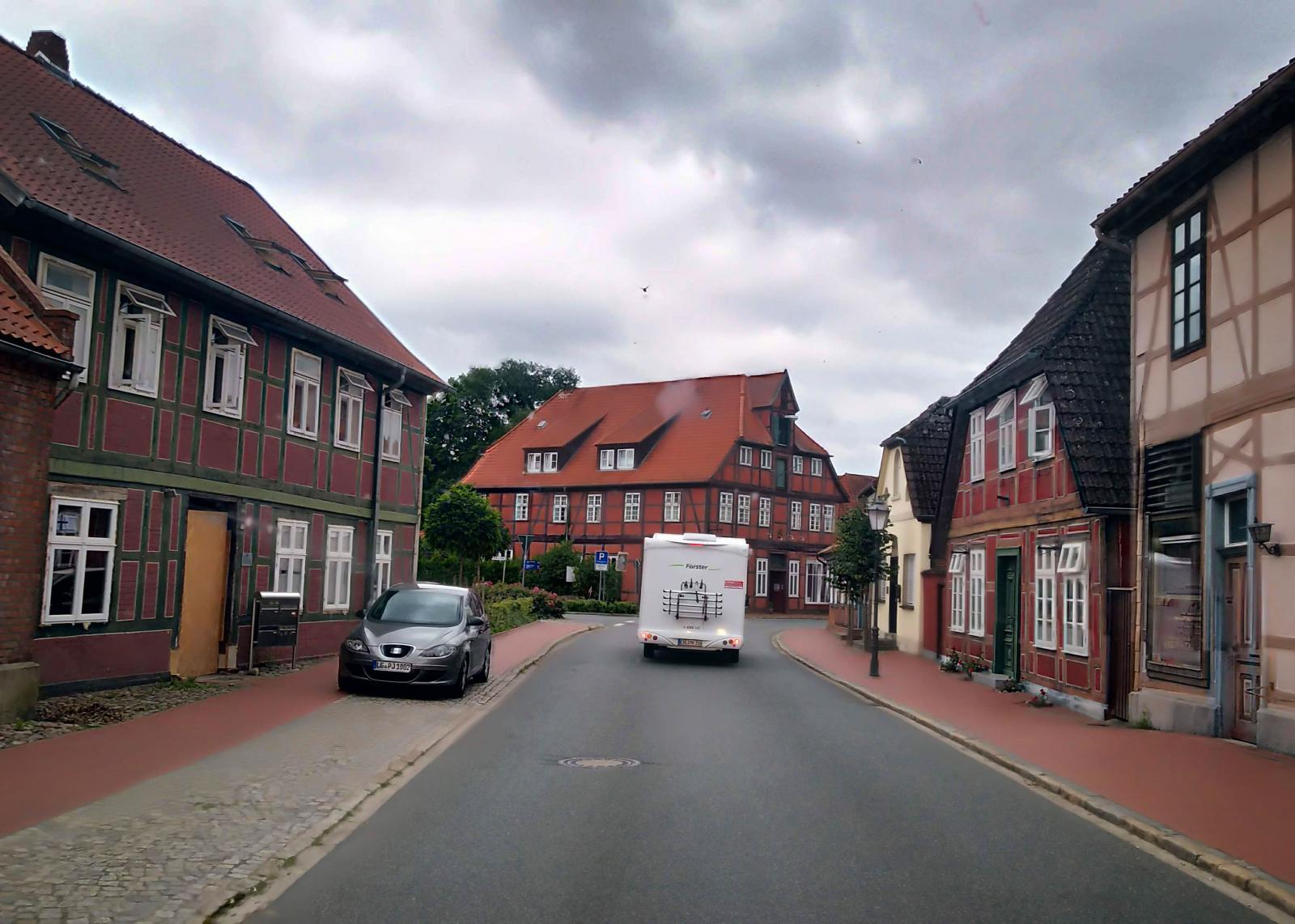 Färden fortsätter sedan längs Elbe där det finns fler mysiga städer.