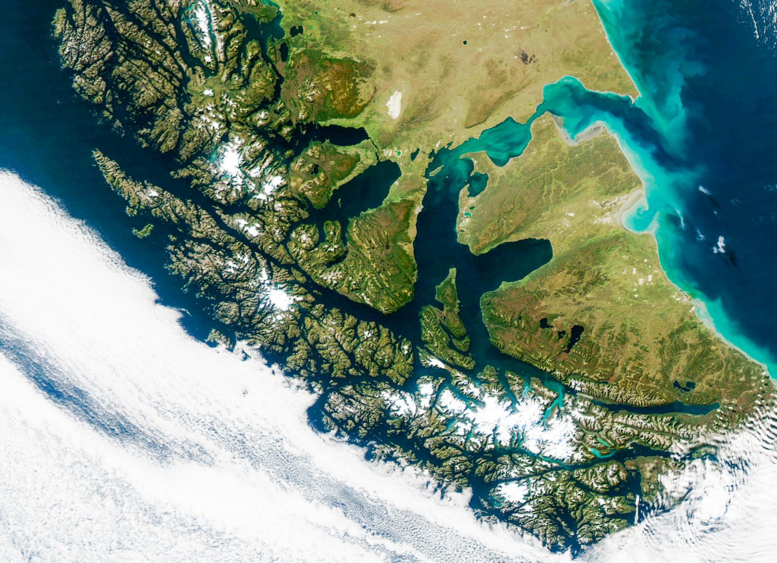 Längst ner i Sydamerika ligger Tierra del Fuego (Eldslandet).