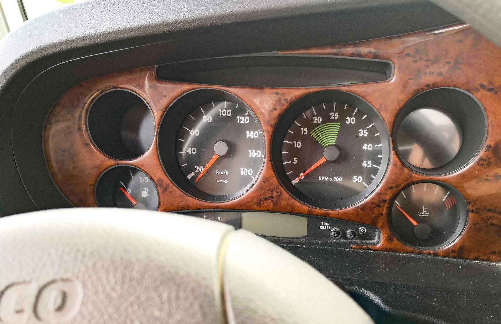 Nu vet vi varför Ulf påminns om sin gamla Porsche 356 när han kör Carthagon.