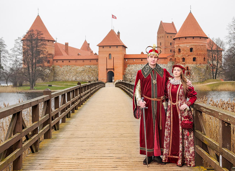 Tre mil väster om Vilnius, i Trakai, hittar du detta vackra sjöslott.