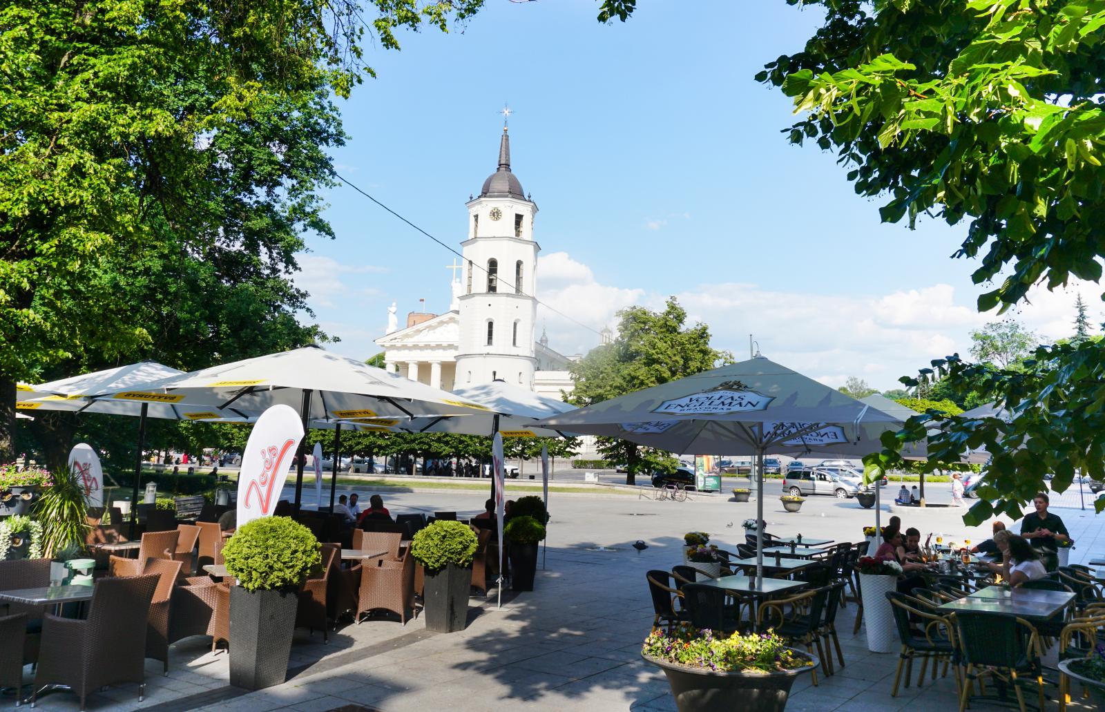 Gillar man uteserveringar så är Vilnius en utmärkt plats. Här finns massor av den varan och maten vi testade smakade utmärkt.