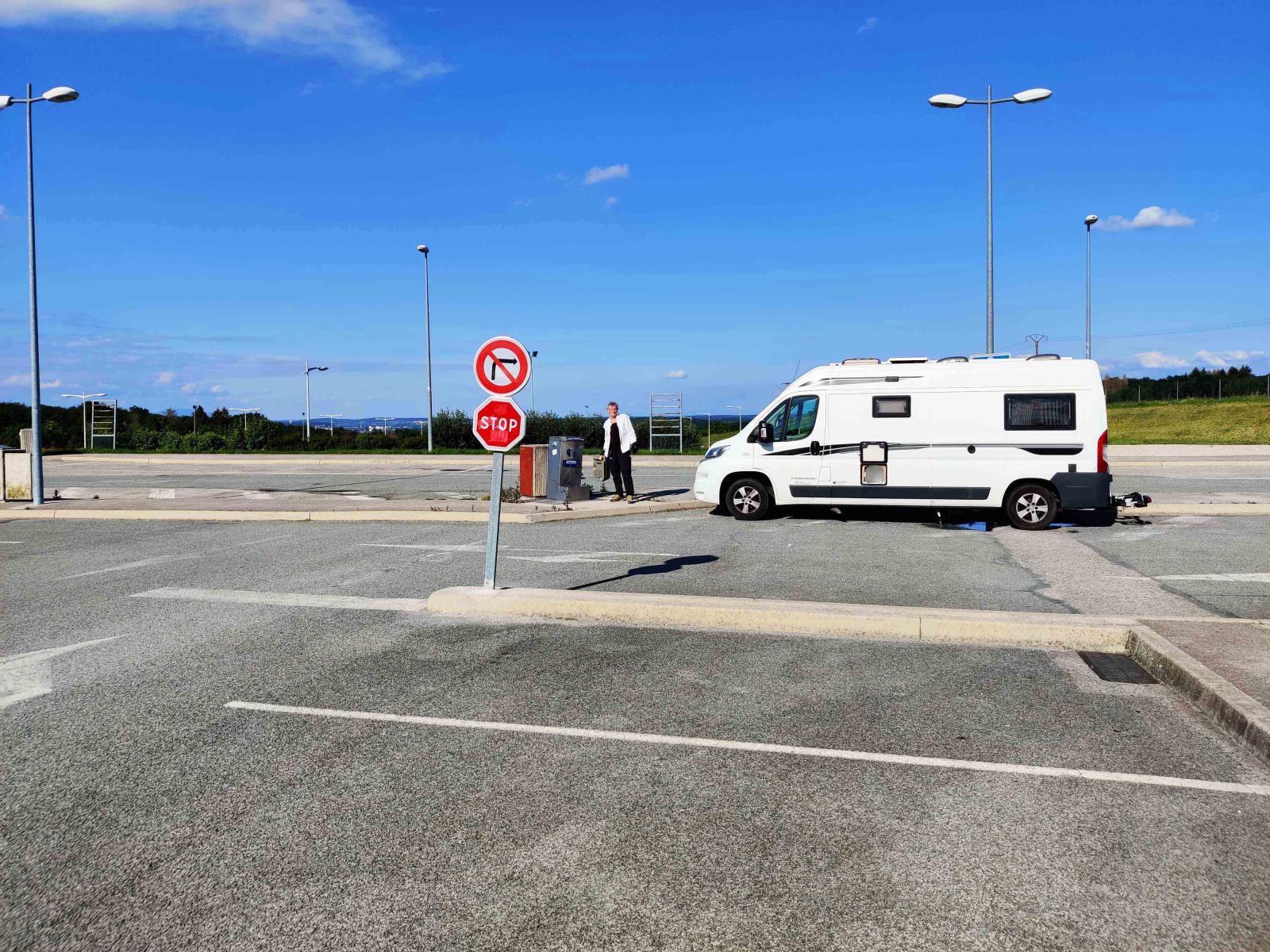 Inga turistbussar att trängas med på motorvägsstoppen i Frankrike.