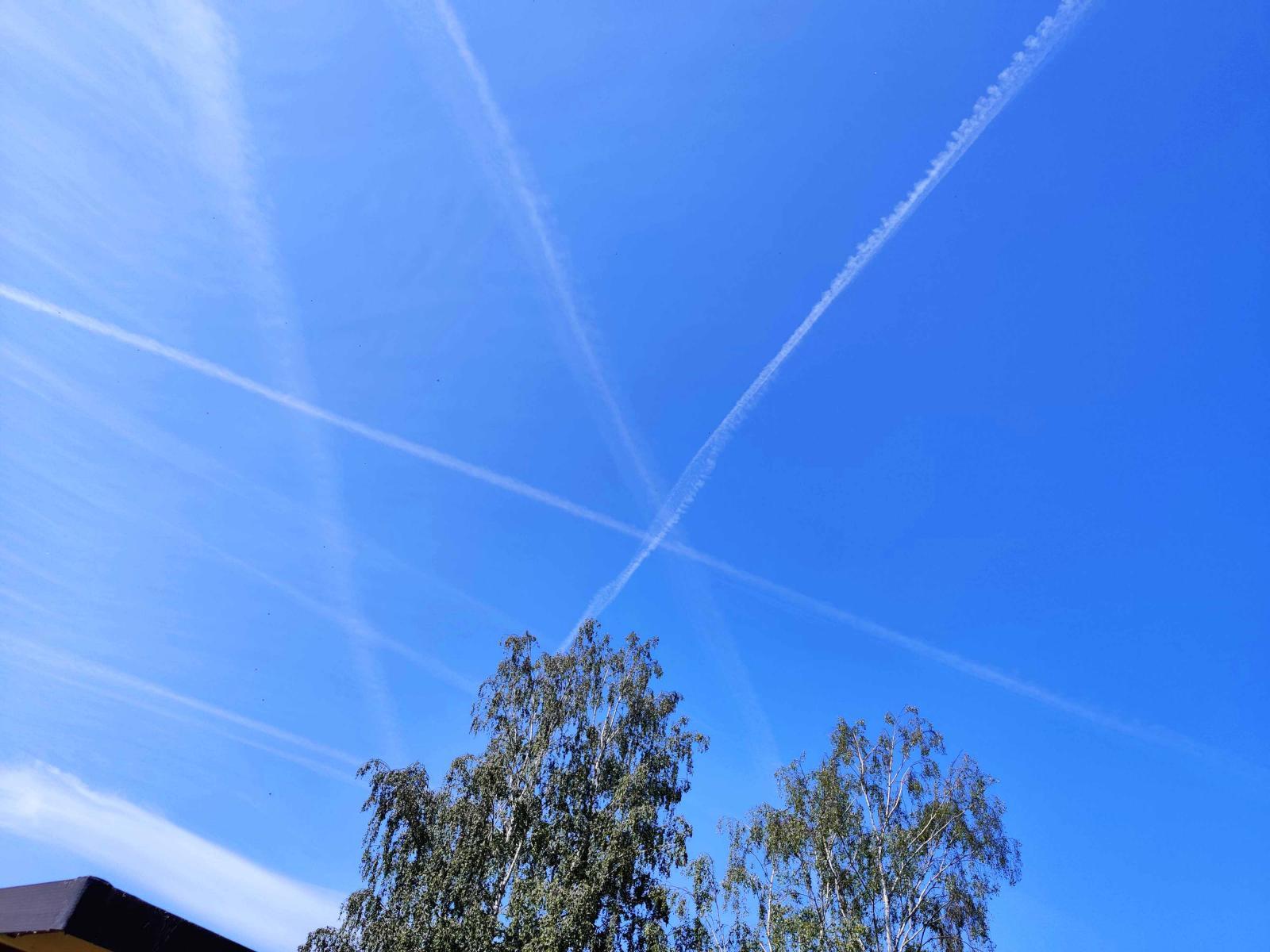 Första tecknen i skyn kom i Tyskland.