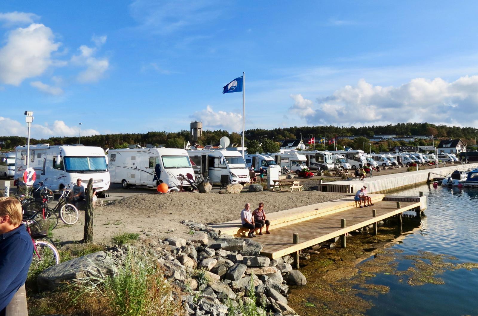 Många gästhamnar, som denna i Bua, har även ställplatser.