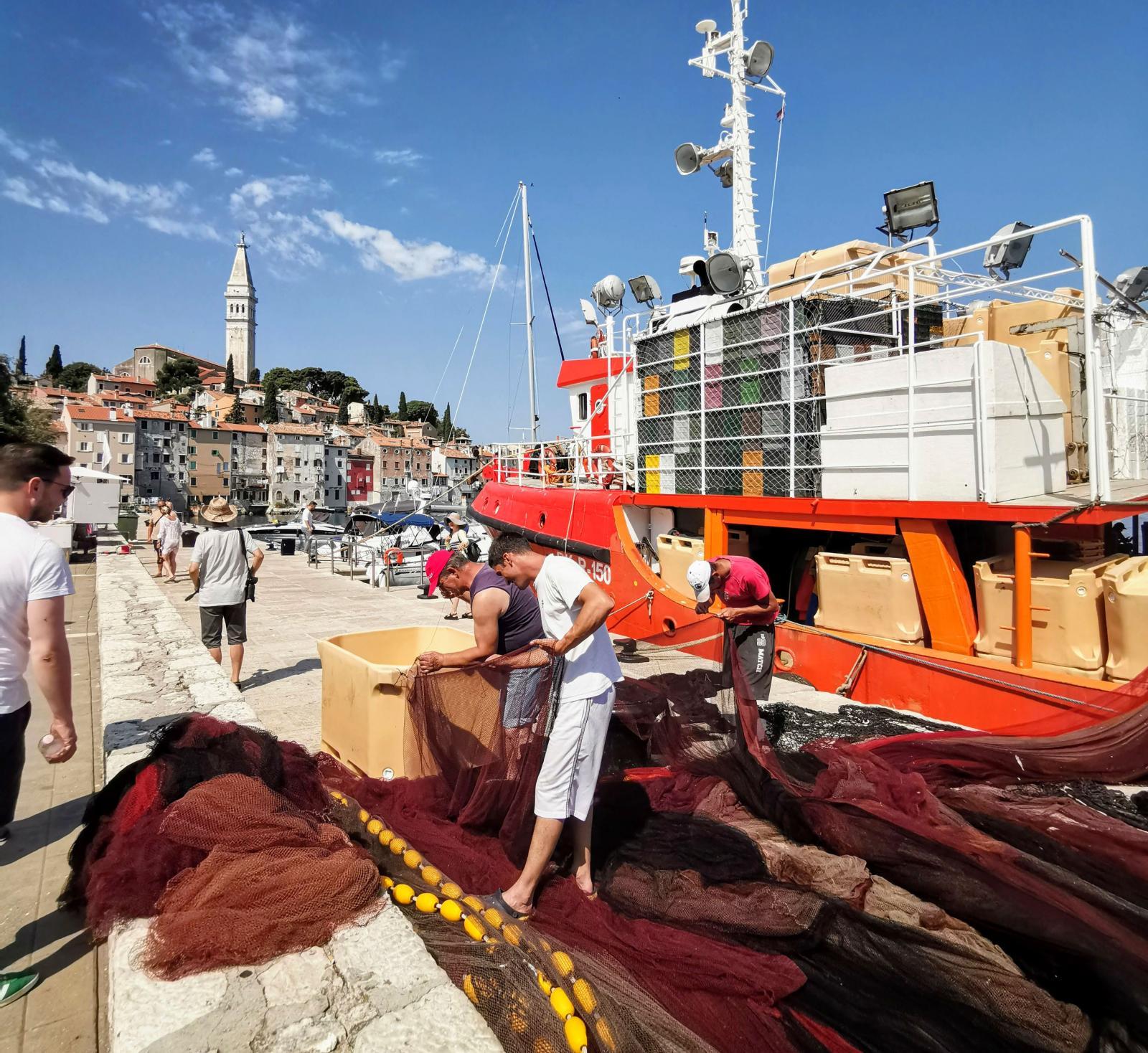 Fiskebåtar är en ovanlig syn nuförtiden men i Rovinj finns de.