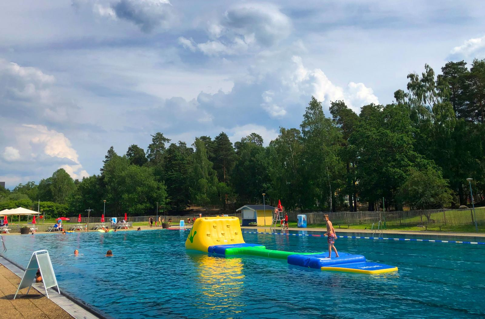 Håll utkik på parkens hemsida för att se hur öppettiderna ser ut för i år.
