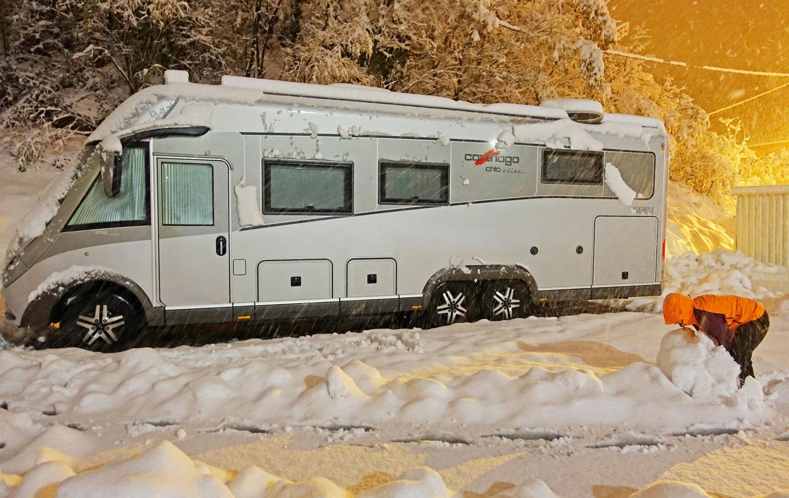 Det saknas inte dramatik i husbilslivet. Ett snöäventyr i Lyon var en rejäl pulshöjare.