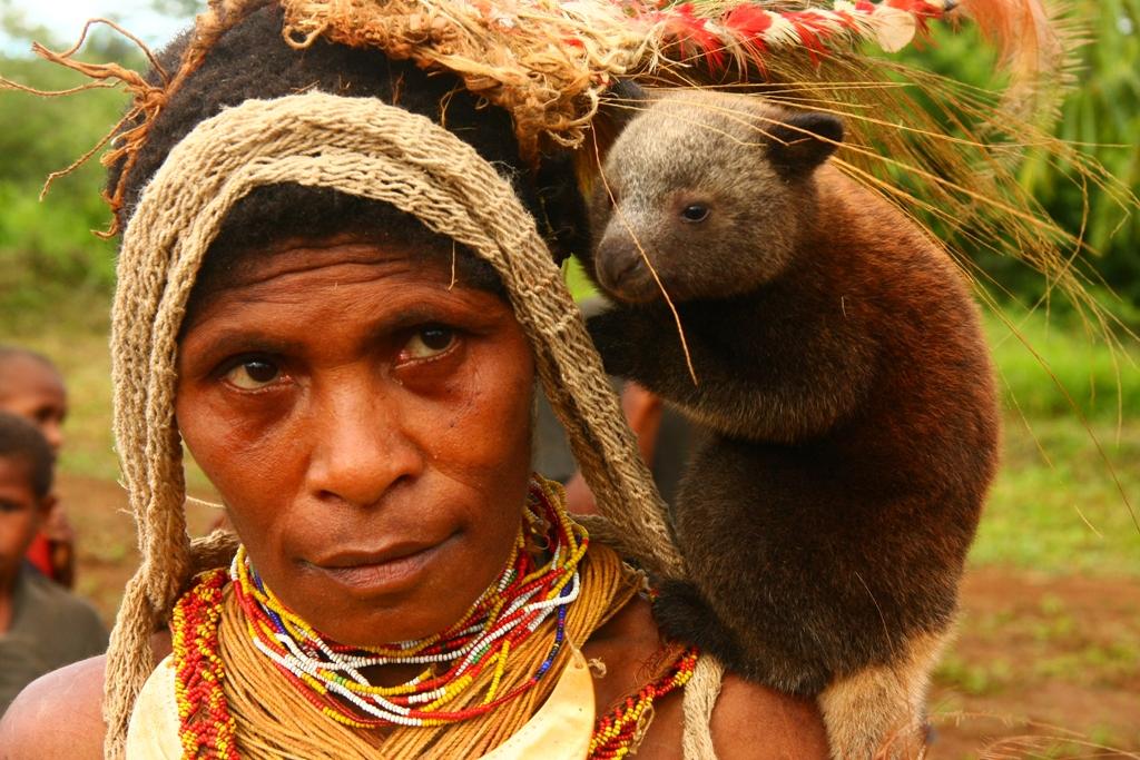 Just Papua Nya Guinea, halvvägs mellan Fillipinerna och Nya Zeeland, kommer de inte att köra genom på sin resa, men där finns mycket intressant att uppleva. Foto: Wikimedia / panvorax