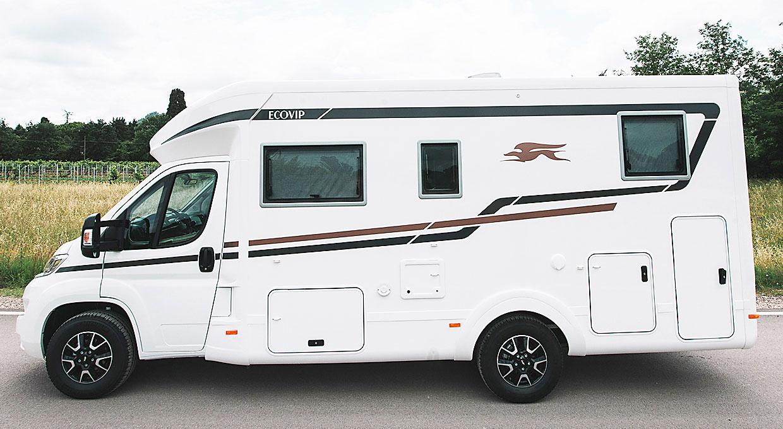 En nyhet i halvintegrerade Ecovip är modellen 3009 med långbäddar och totallängd 6,99 m.