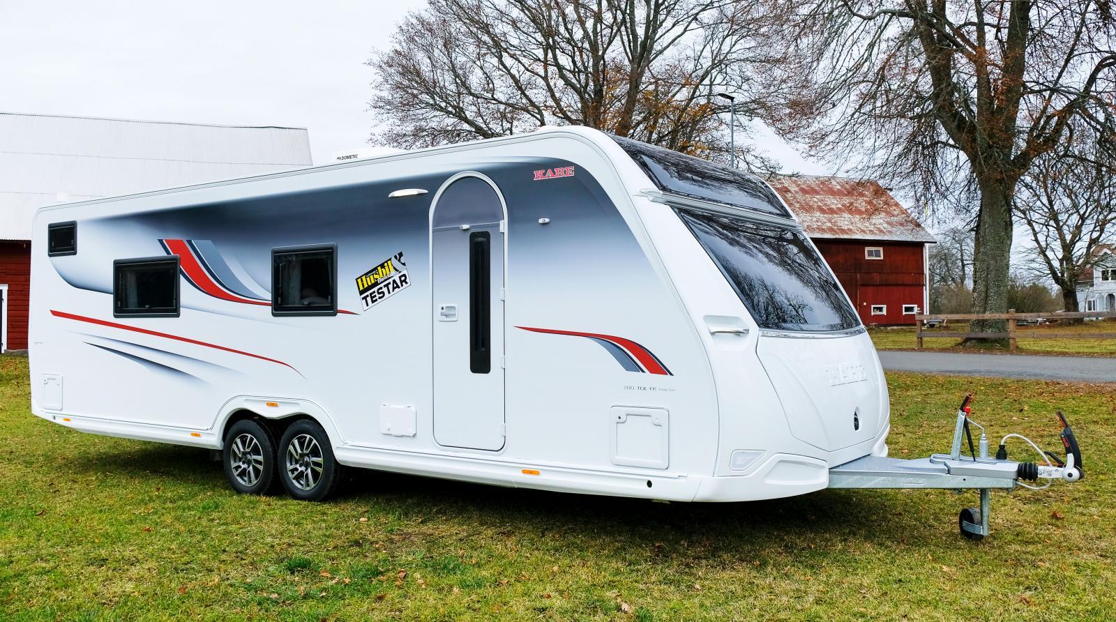 Kabe Imperial 780 TDL FK är en mäktig husvagn med stort kök längst fram.