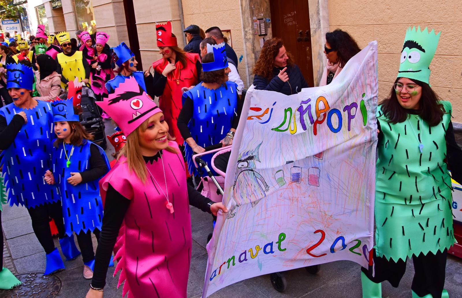 Den som övervintrar i Spanien kan räkna med en häftig karneval i Cadiz i februari.