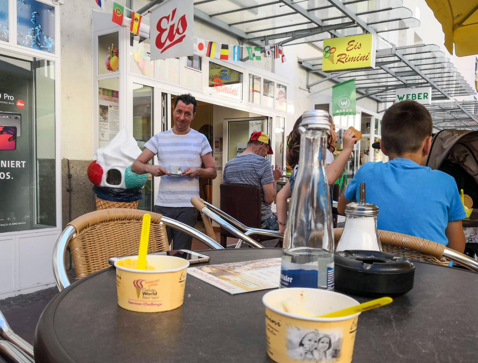 Brödernas glasskunskap är ett arv från fadern som öppnade glassbaren i Gaggenau 1972.