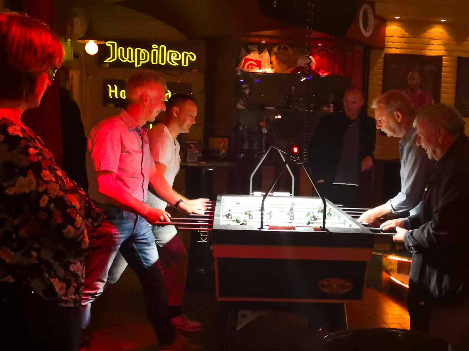 Bordsfotboll är en stor sport på barerna i Belgien.