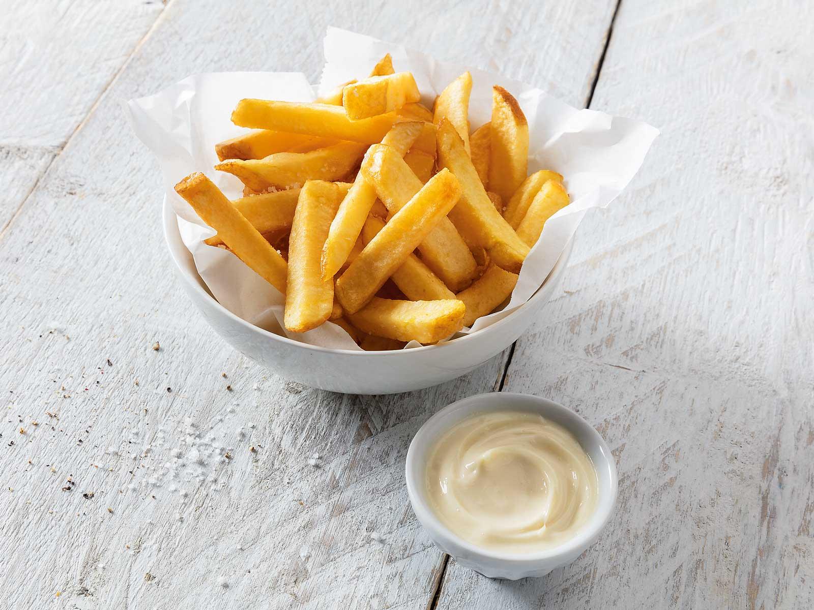 Pommes frites med majonnäs är populärt här.