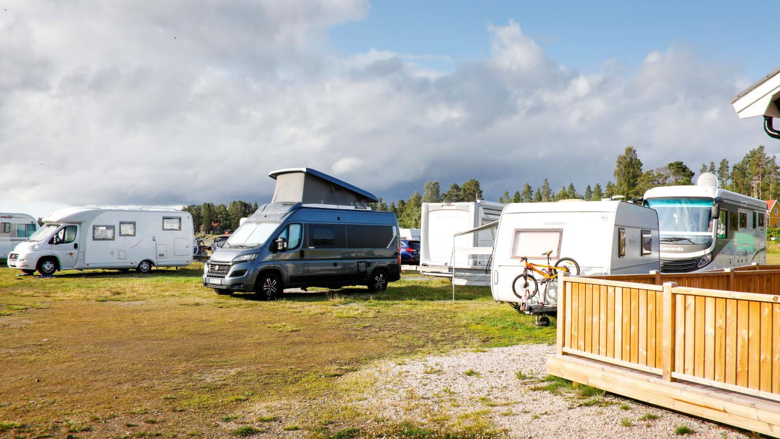 Campingen är enkel, men erbjuder bra faciliteter och närhet till allt.