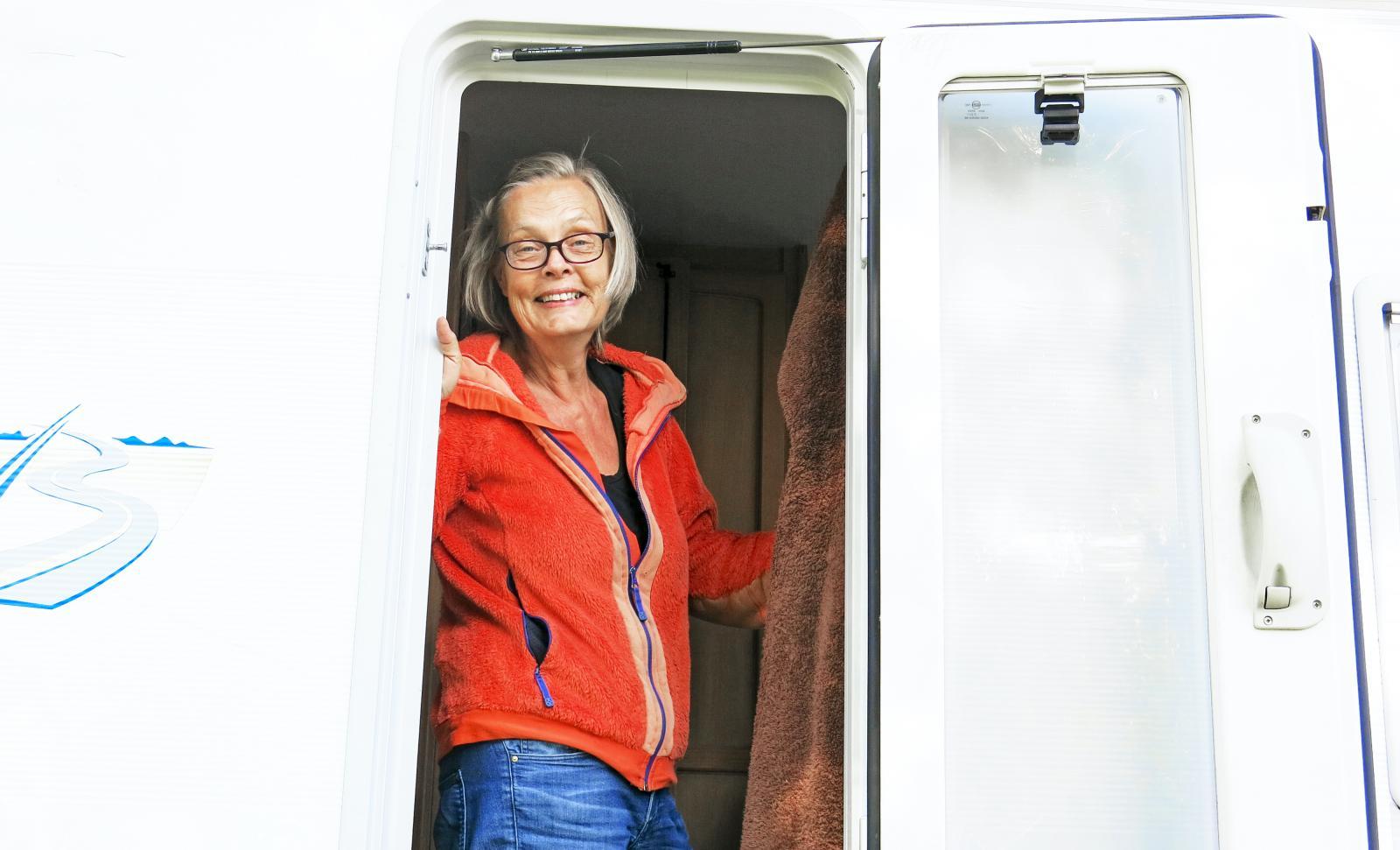 Tänk att få börja varje dag med att slå upp dörren till friheten! Annika Elgeskog ångrar inte sitt val.