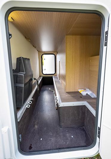 Höjdskillnader på golvet kan göra det svårstuvat, men flyttbara lastöglor finns, bra!