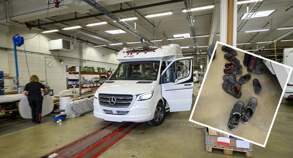Längst fram på Royal sitter Mercedez-Benz stjärna. Campinglivsstil i Kabes fabrik i Tenhult. Inga skor i bilen!