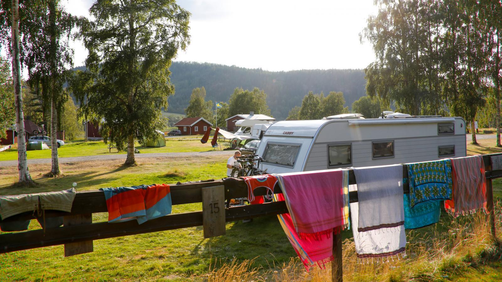 Camping på FriluftsByn vid Skulebergets fot. Missa det inte!