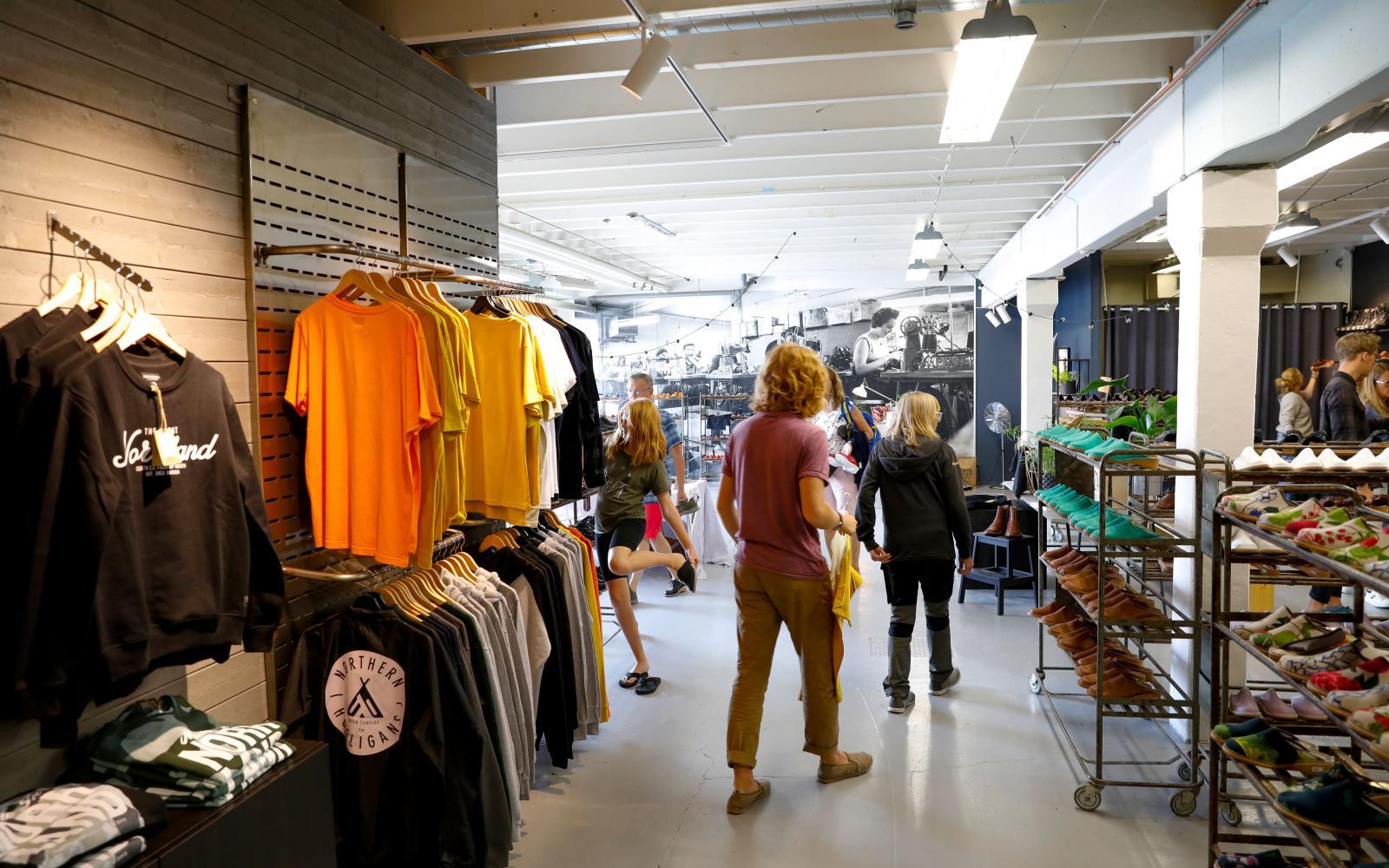 Den mysiga fabriksbutiken vid Docksta i världsarvet Höga kusten.