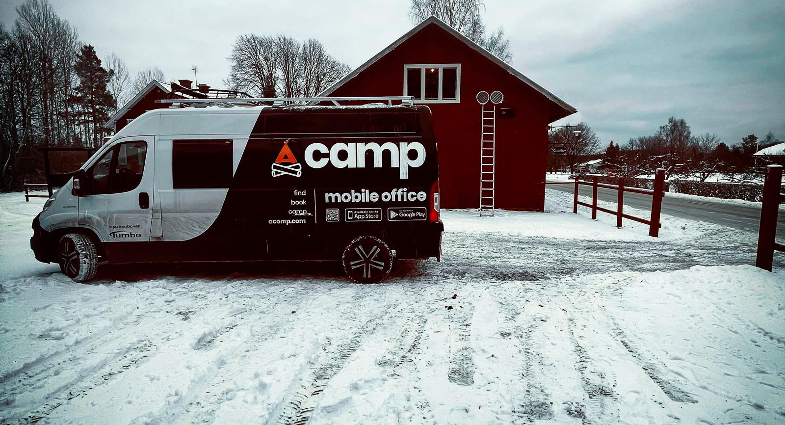 Acamp är ett företag som lever som de lär och erbjuder sina anställda att jobba från företagets egna husbil.